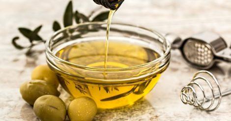 6 Minyak Alami untuk Mengatasi Kerusakan Rambut