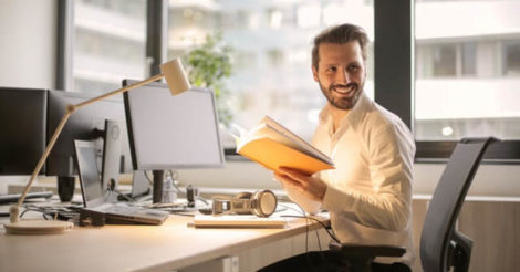 5 Tips Kesehatan untuk Anda yang Bekerja Seharian di Depan Komputer