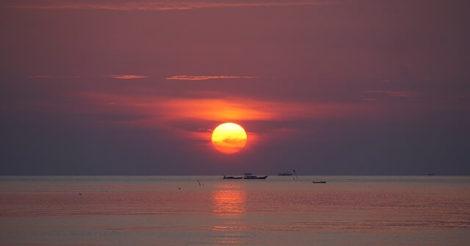 4 Pantai di Karimunjawa yang Wajib Kamu Kunjungi