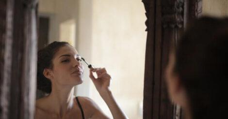 5 Tips Memakai Eyeliner bagi Pemula